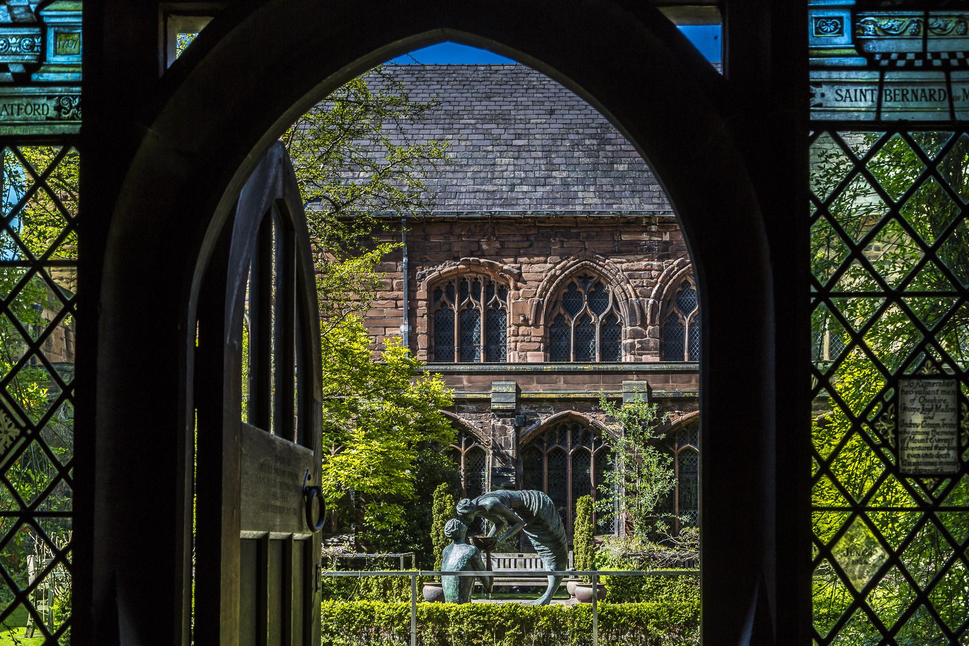 Innenhof-Kreuzgang-Katedrale-Chester-2