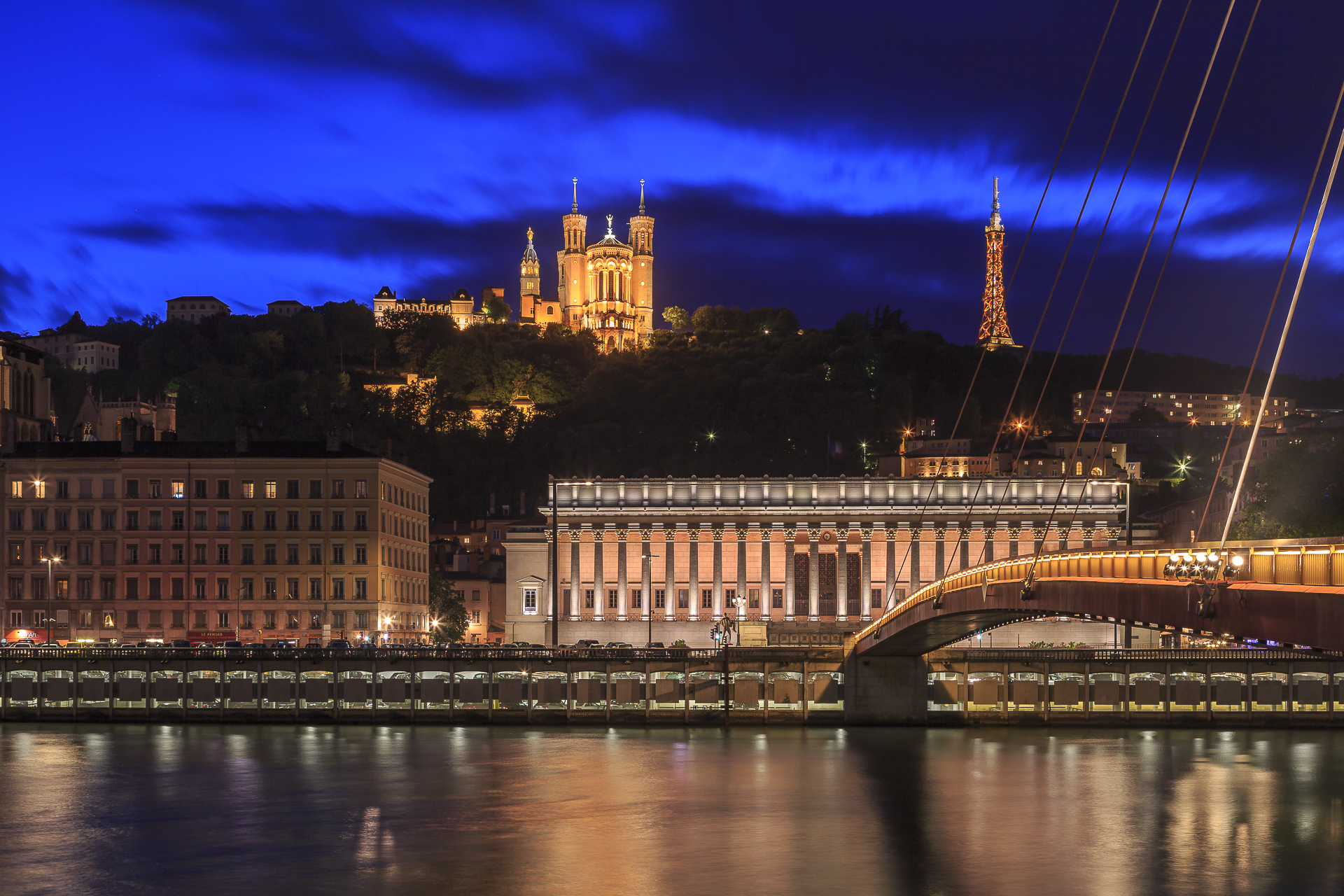 Lyon-Saonne-Blue-Hour-1