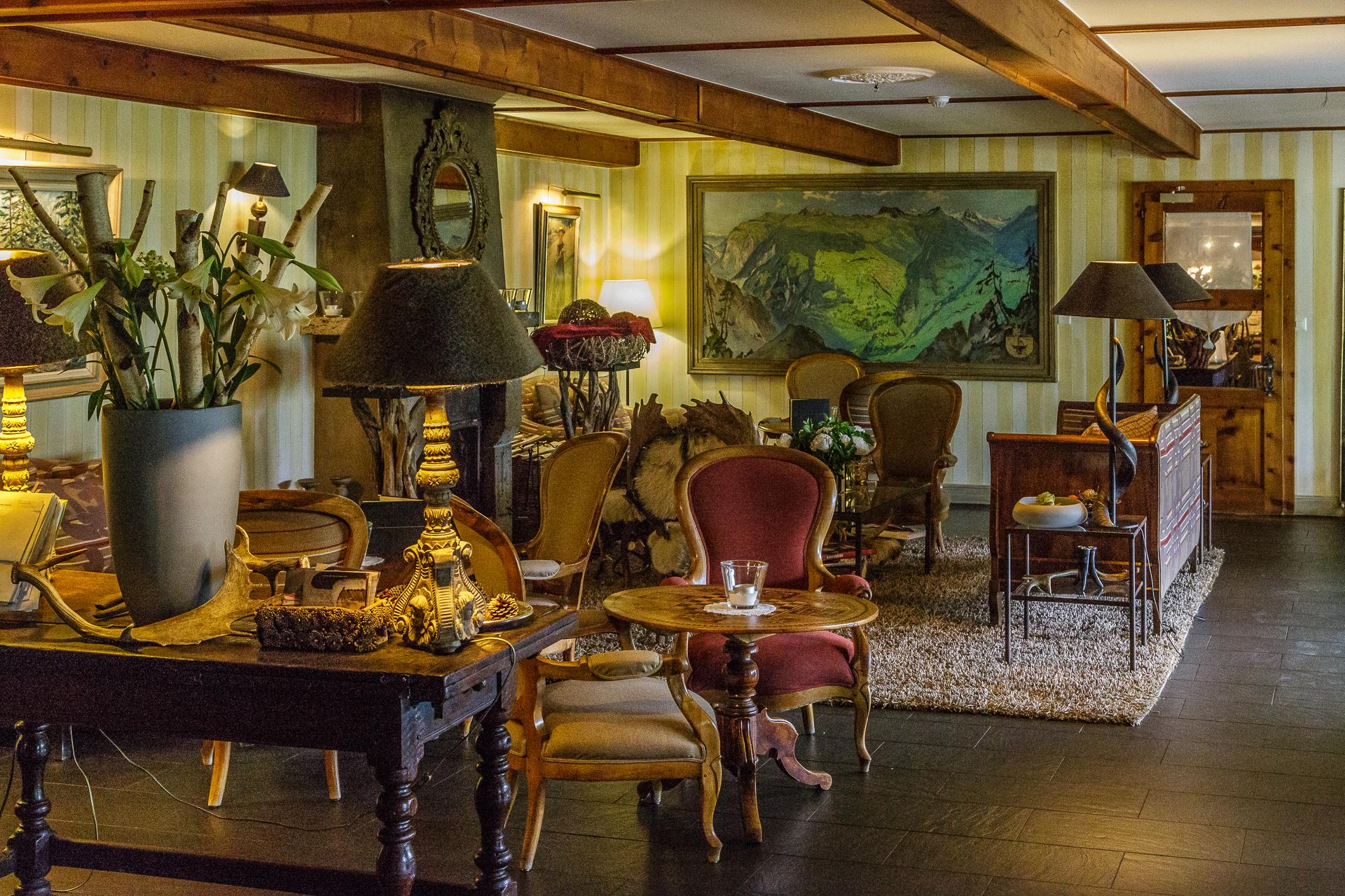 Hotel-Bella-Tola-Lounge-2