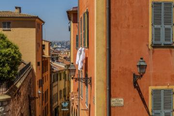 Nizza - die pastellfarbene Schönheit im Fokus