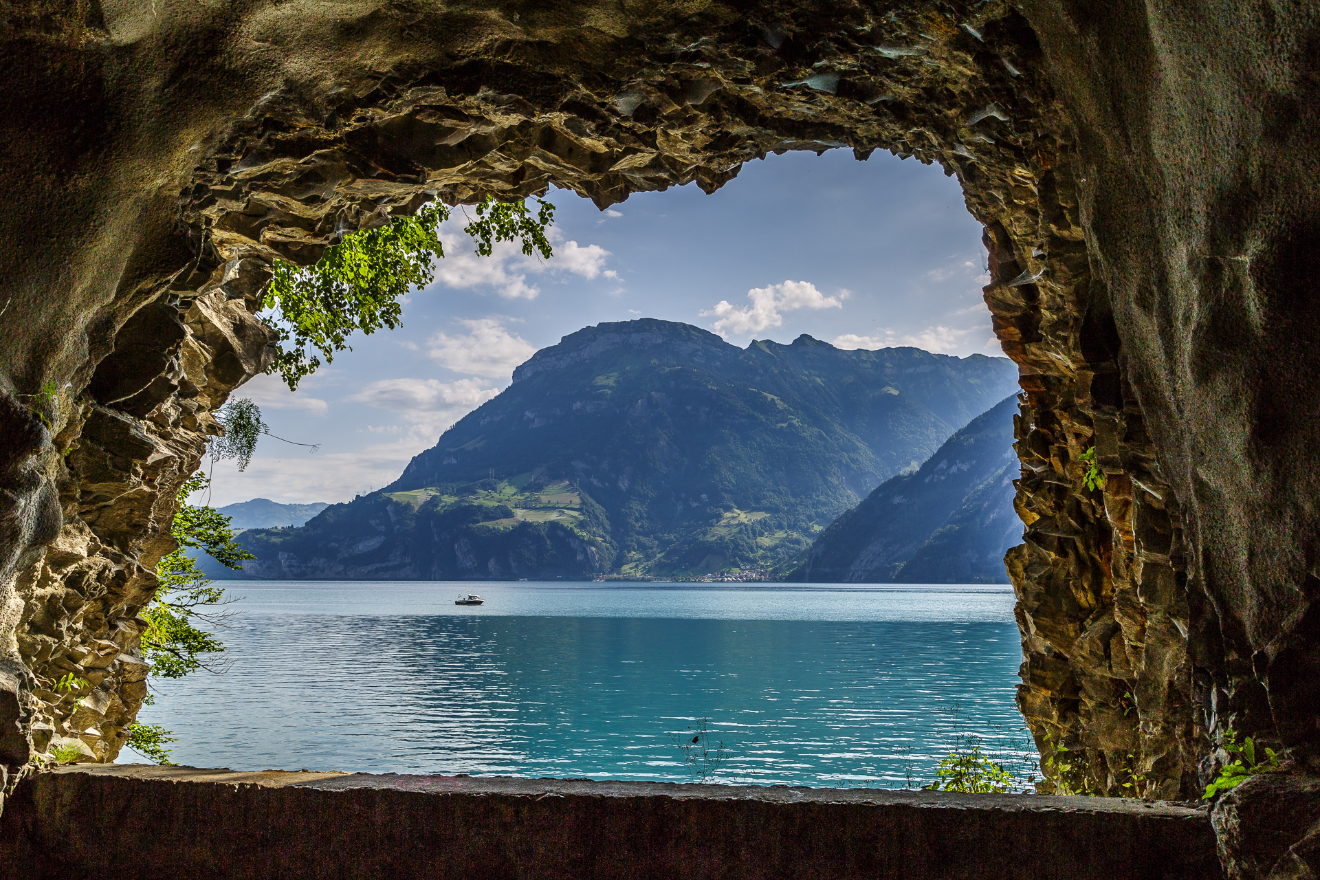 Weg-Der-Schweiz-Urnersee