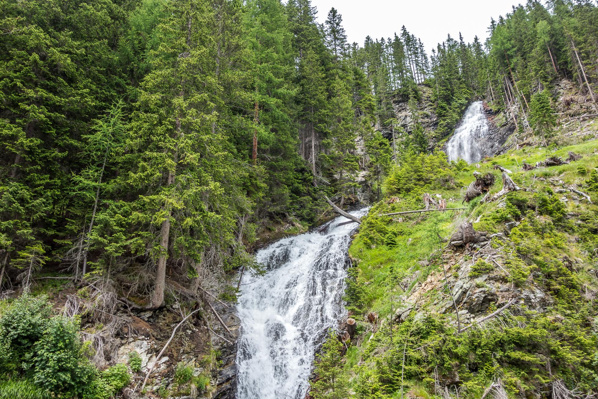 Wilde-Wasser-Wasserfall-Innergschloess