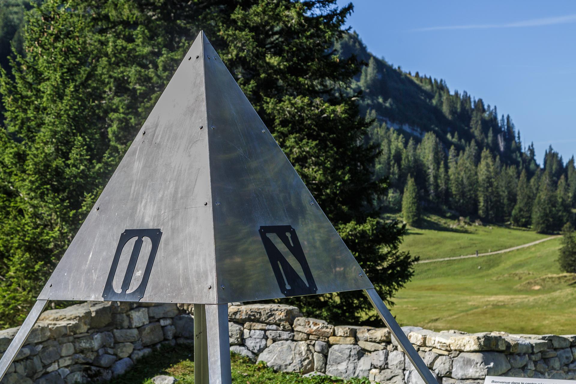 Aelggialp-Mittelpunkt-der-Schweiz