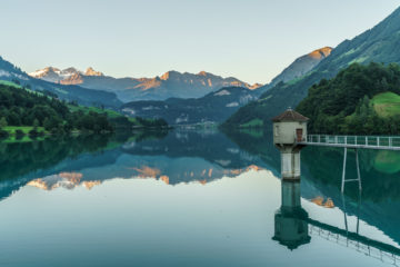 Zum Mittelpunkt der Schweiz - Älggialp Wanderung