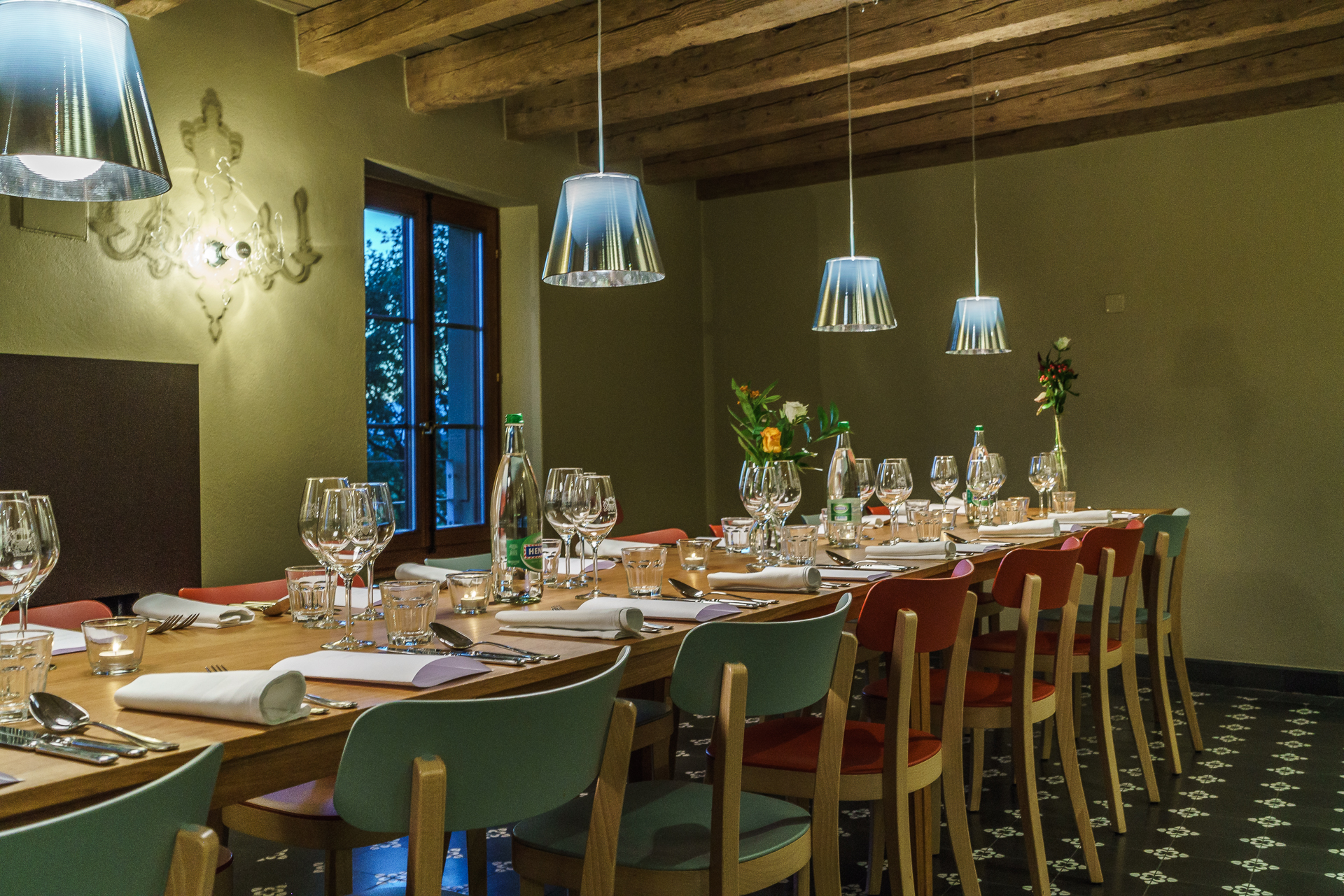 Chateau-Rochefort-Lausanne-a-table-2