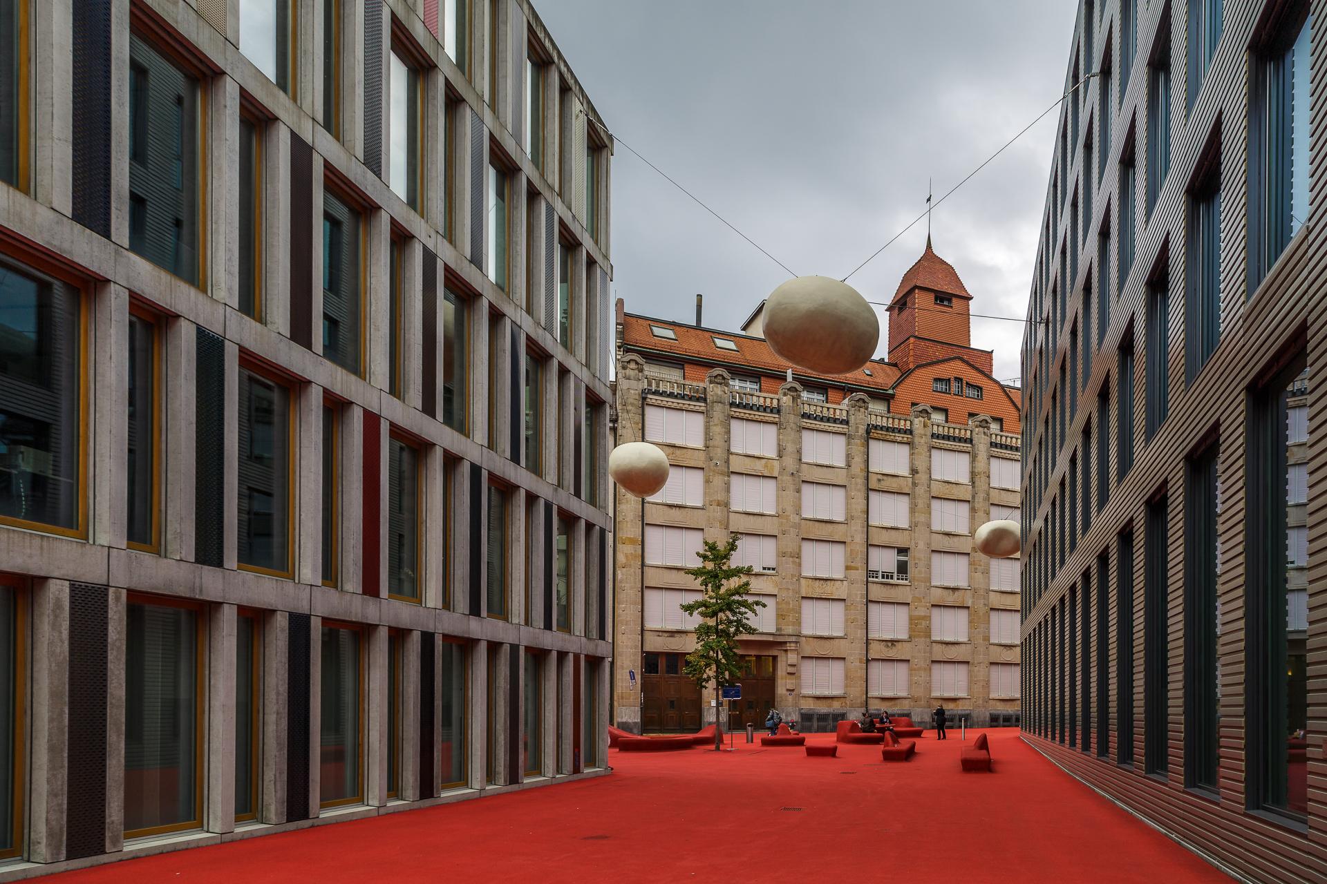 Roter-Platz-pipilotti-rist