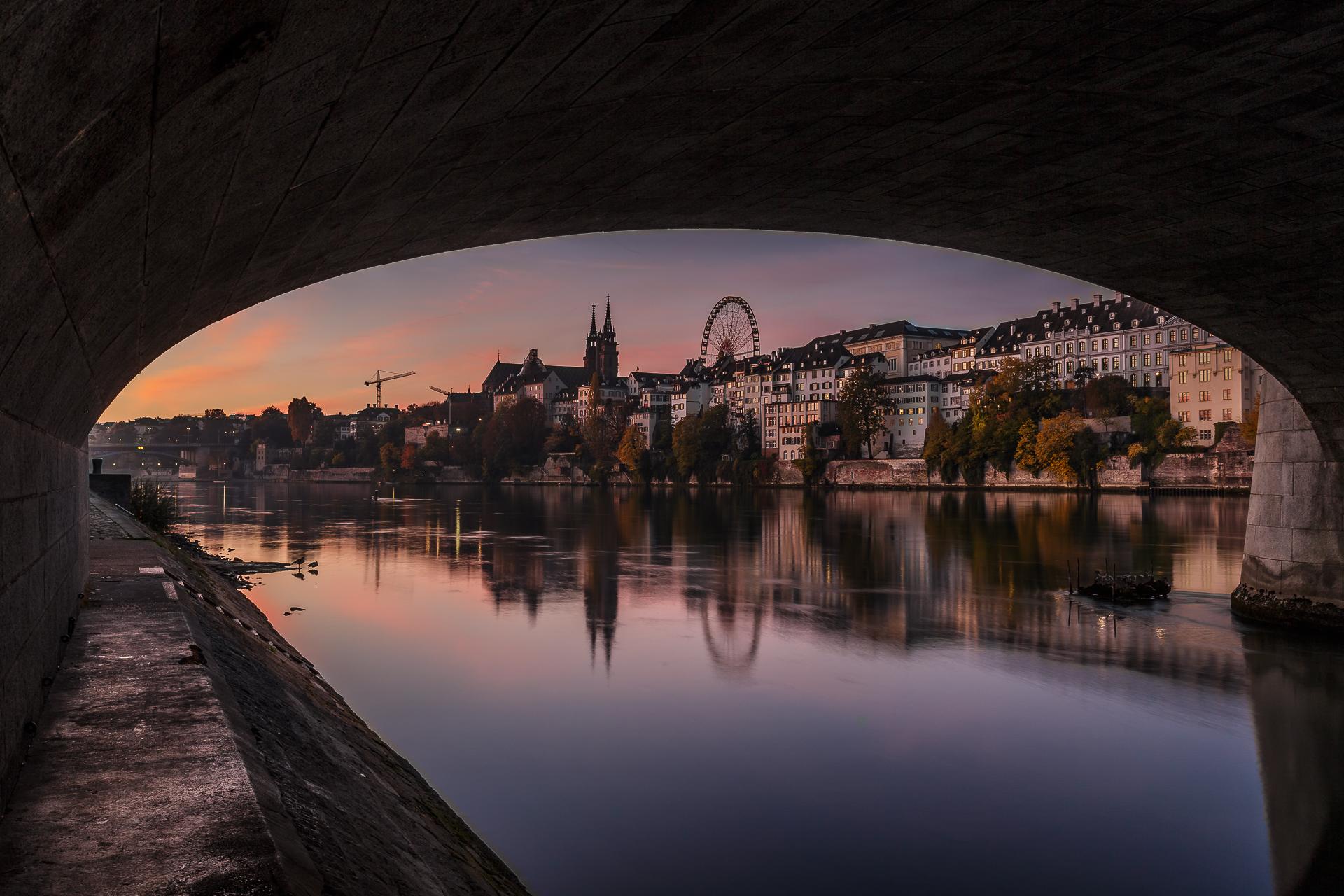 Sonnenaufgang-Basel-mittlere-Bruecke