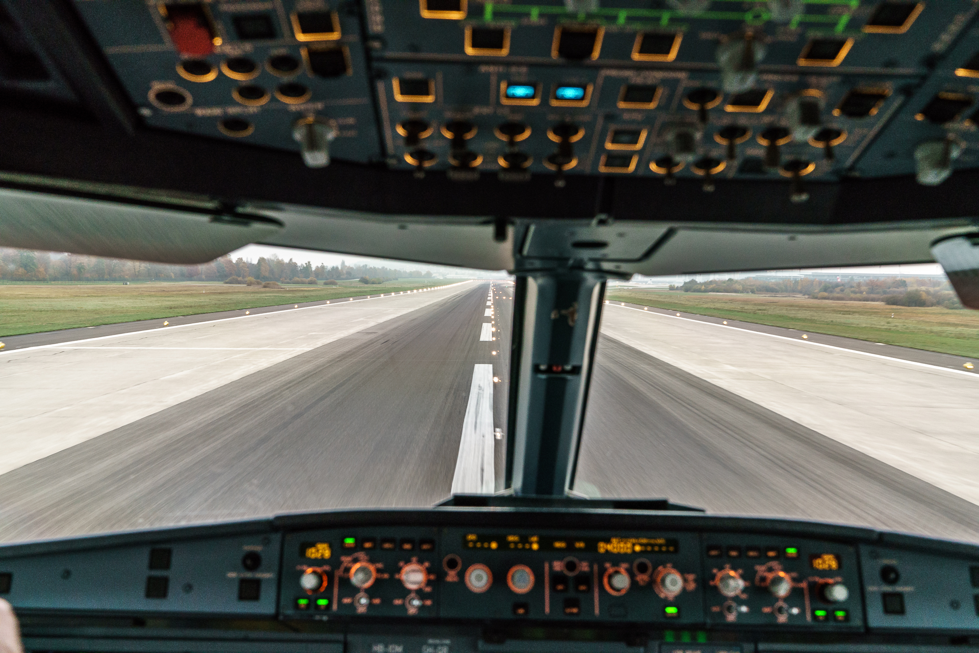 Cockpit-Landeanflug-Swiss