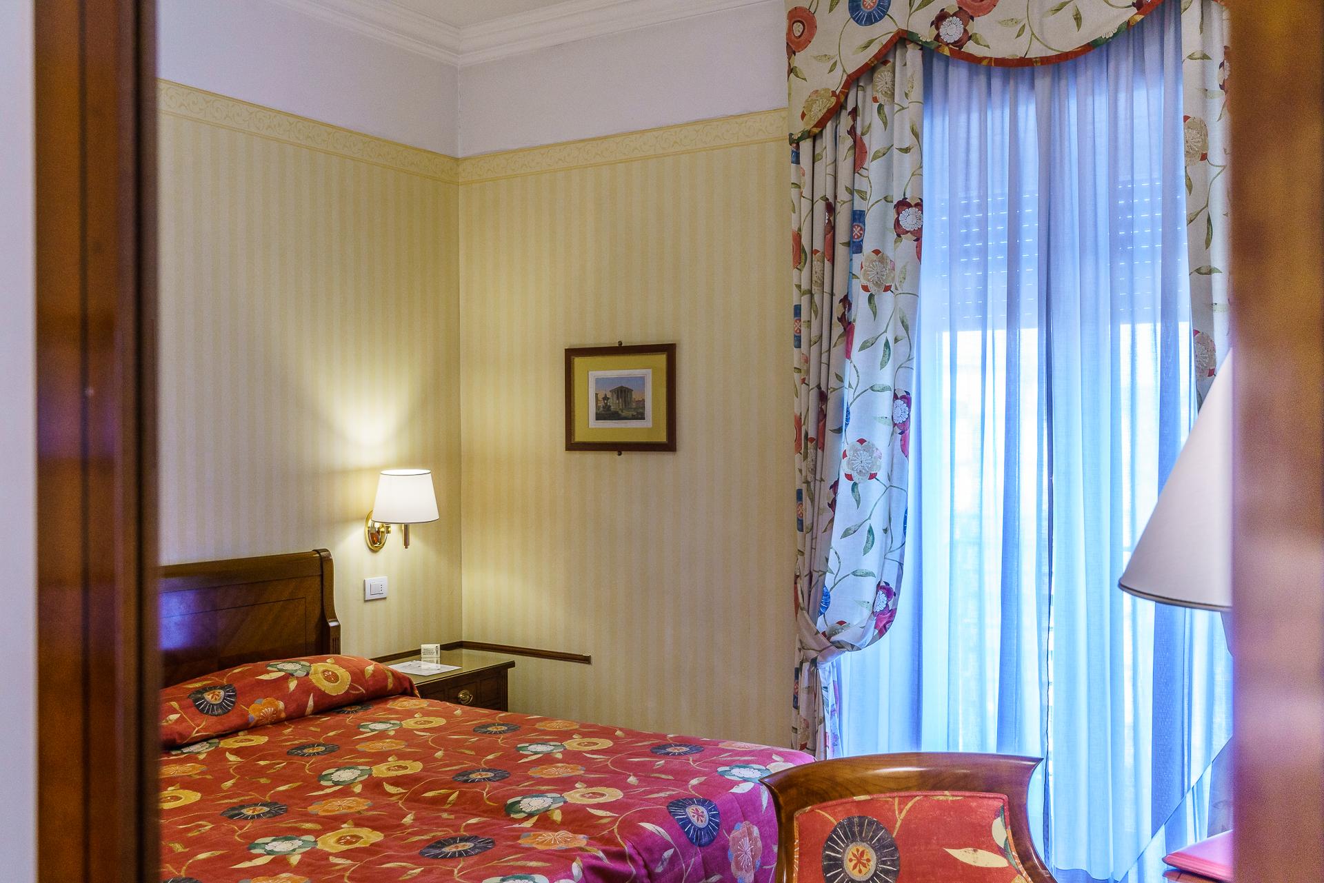 Hotel-Victoria-Rom-Zimmer