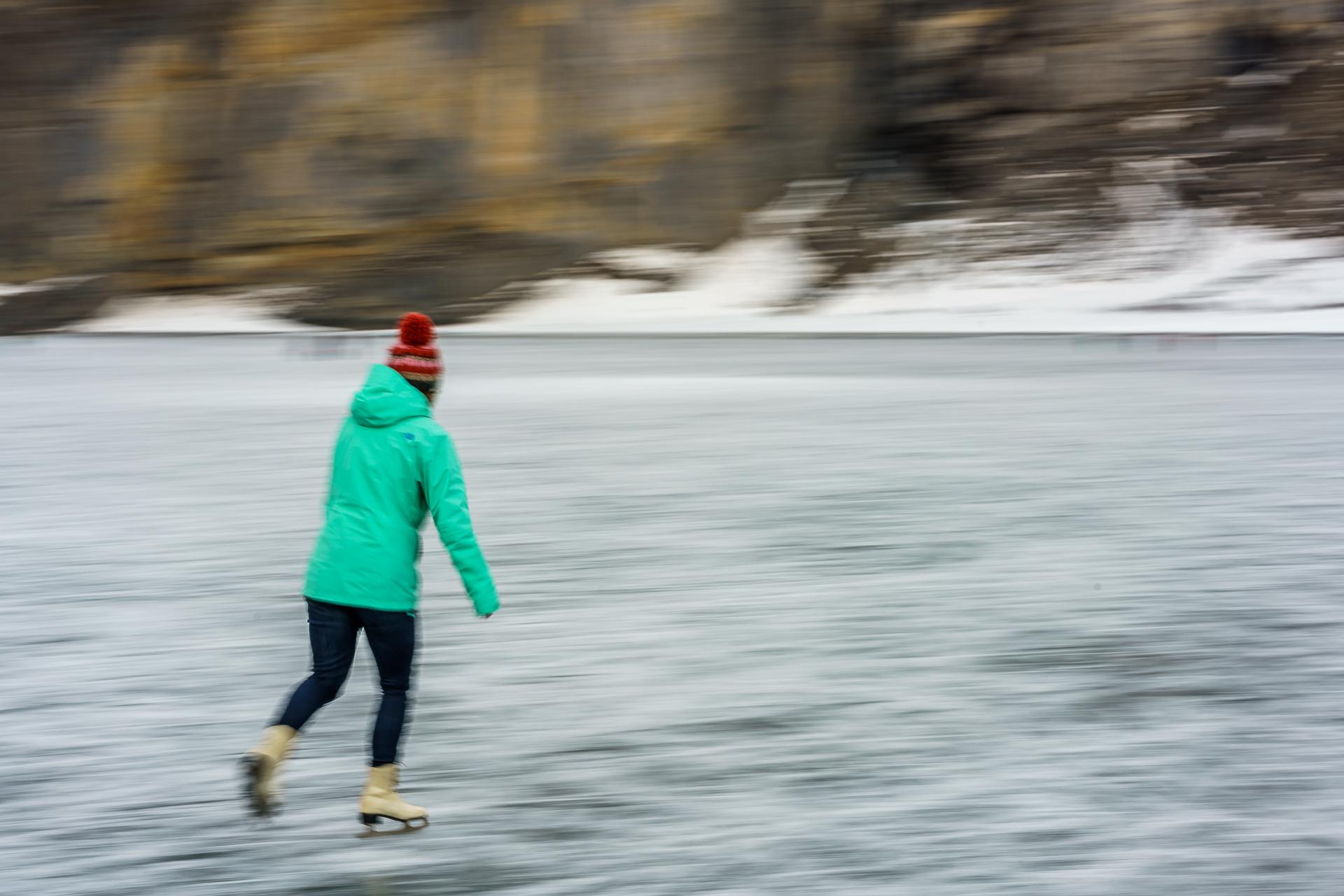 Oeschinensee-Eislaufen-1