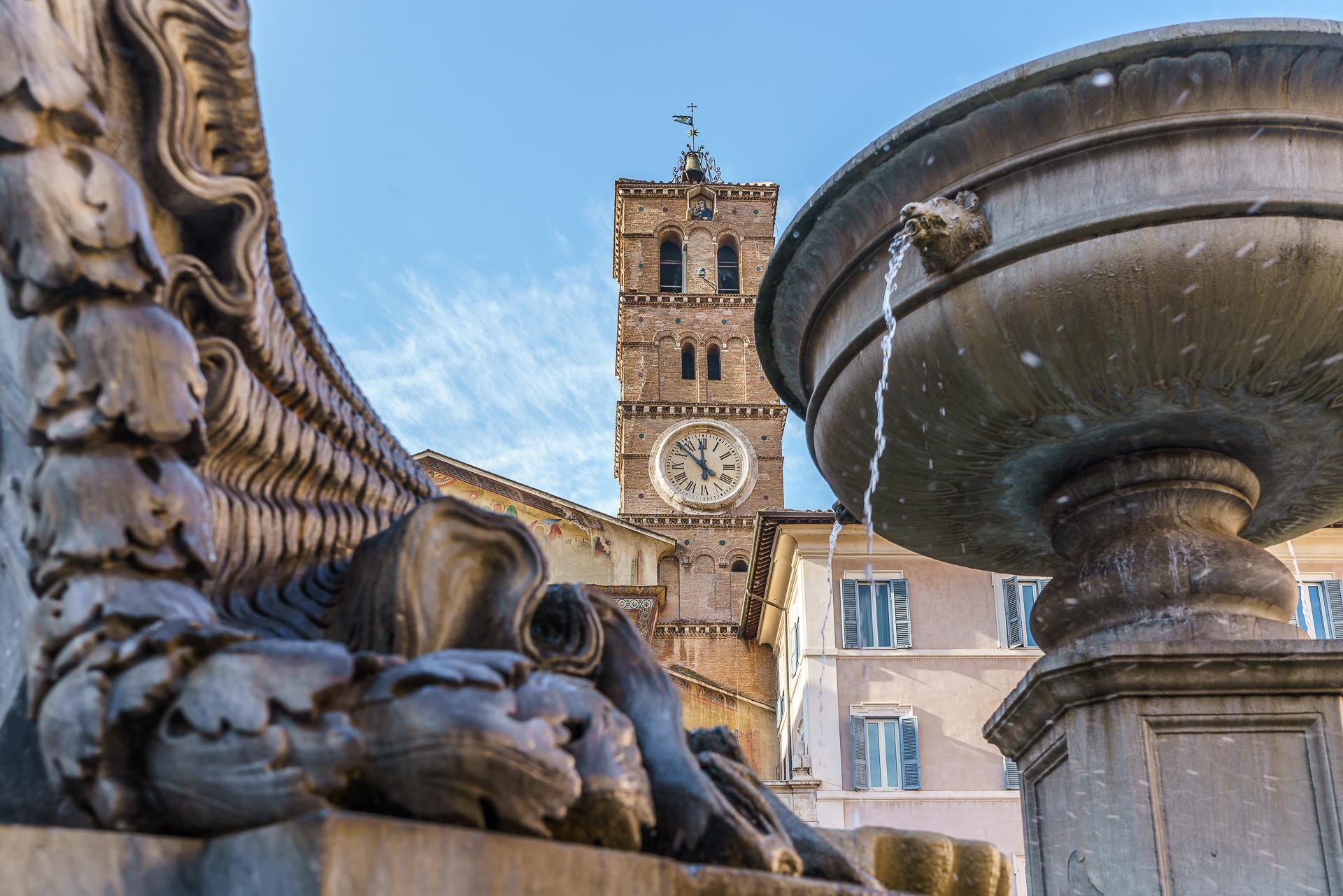 Piazza-Di-Santa-Maria-in-Trastevere