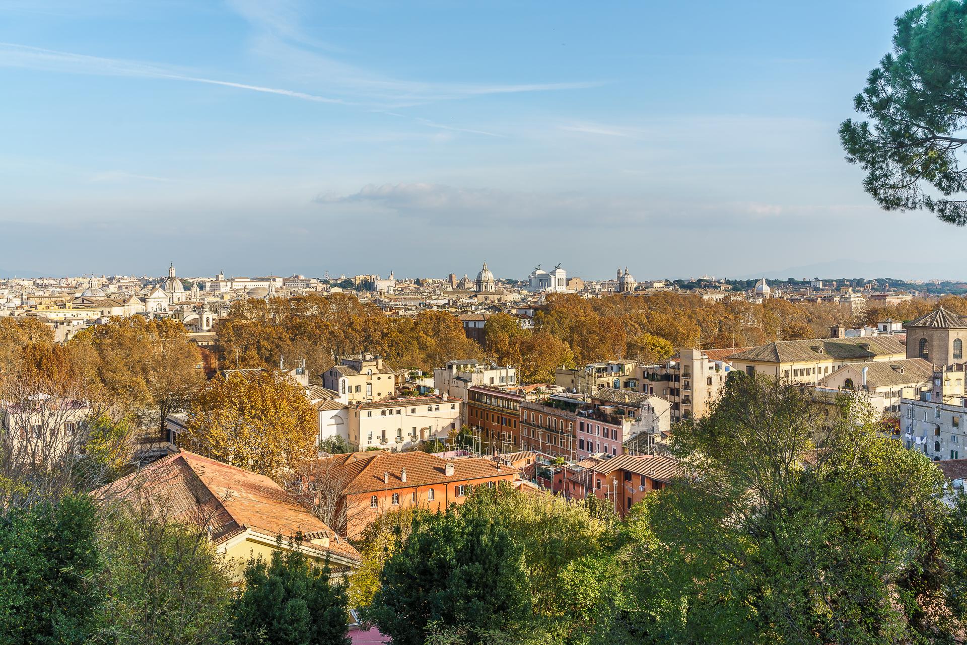 Rom-Piazza-Guiseppe-Garibaldi