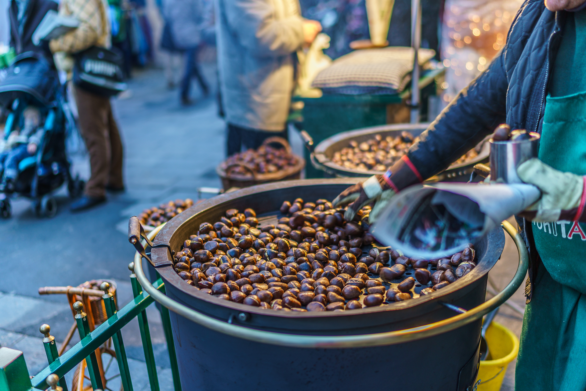 Weihnachtsmarkt-Graz-Marroni