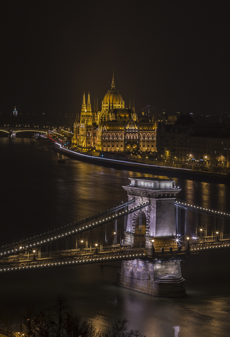 budapest-night-shot-from-budacastle