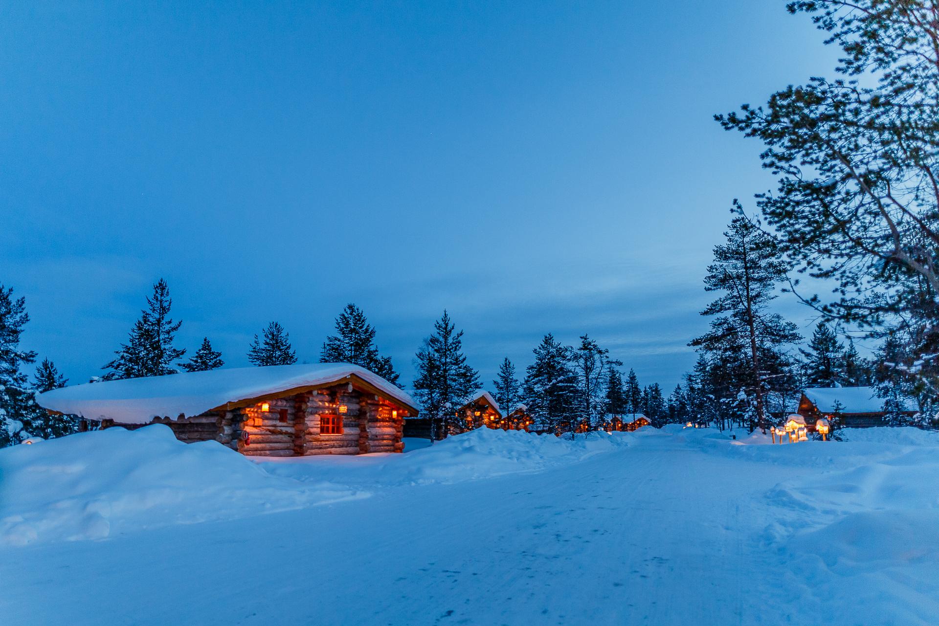 Kakslauttanen-Arctic-Resort