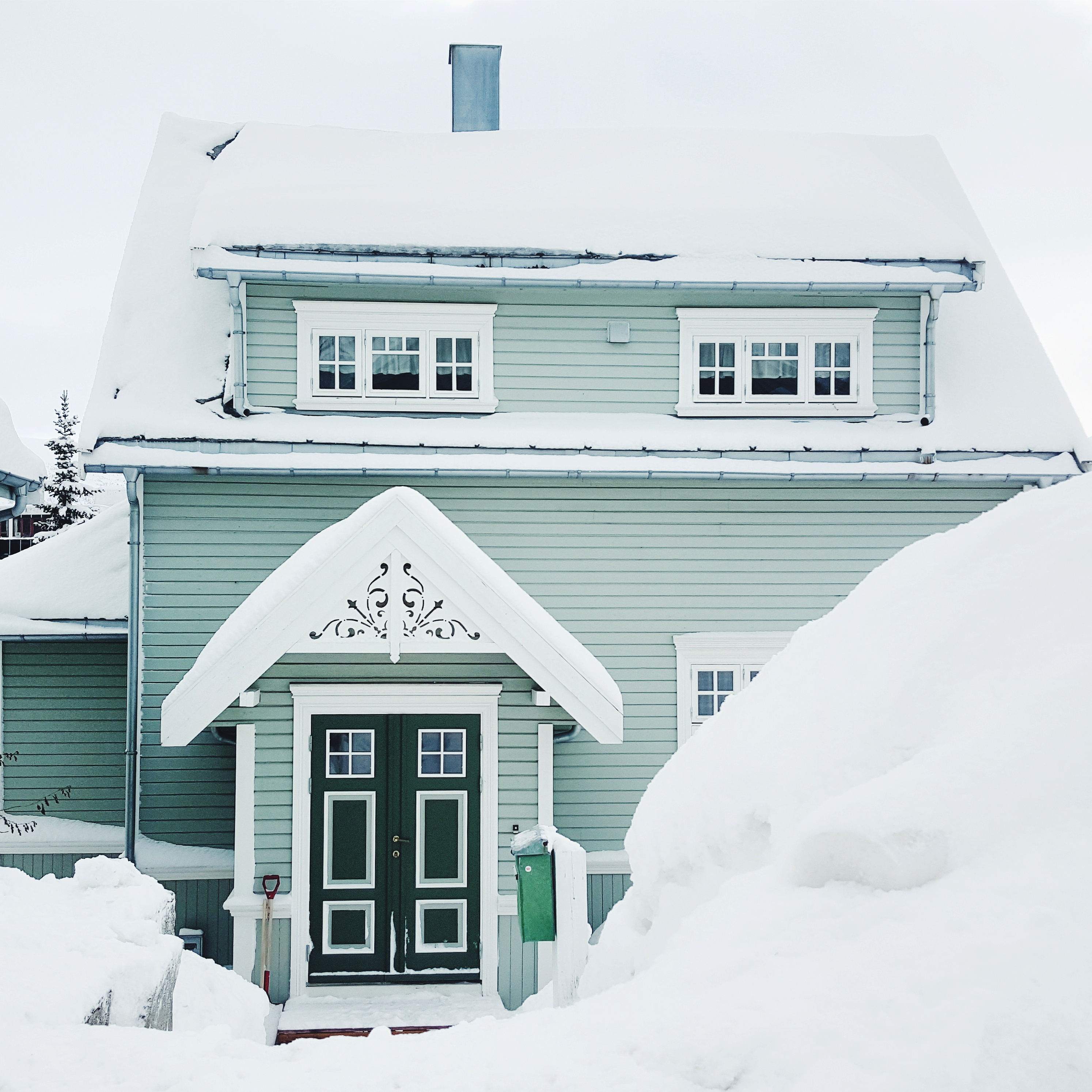 Tromsoe-Winter-Haus
