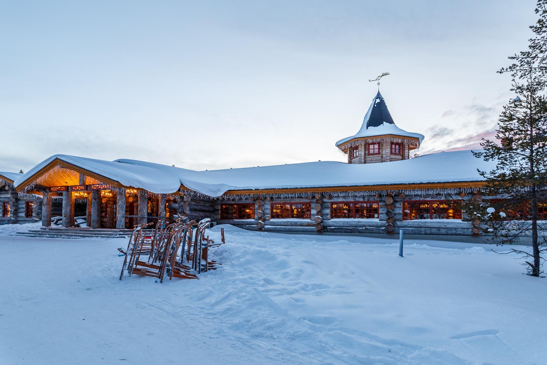 kakslauttanen-arctic-Resort-Westdorf-Finnland