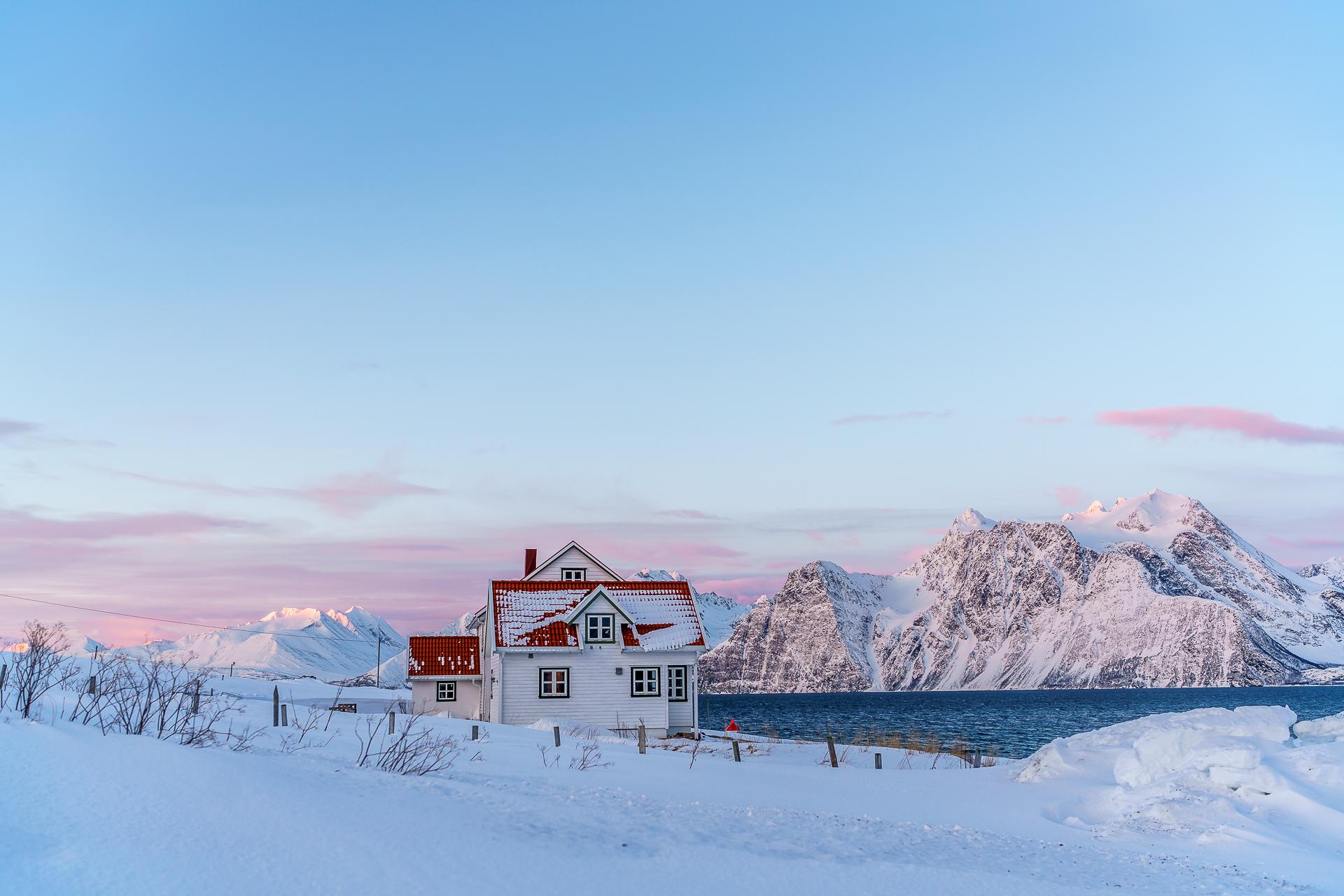 spakenes-sjobuer-lyngenfjord-1