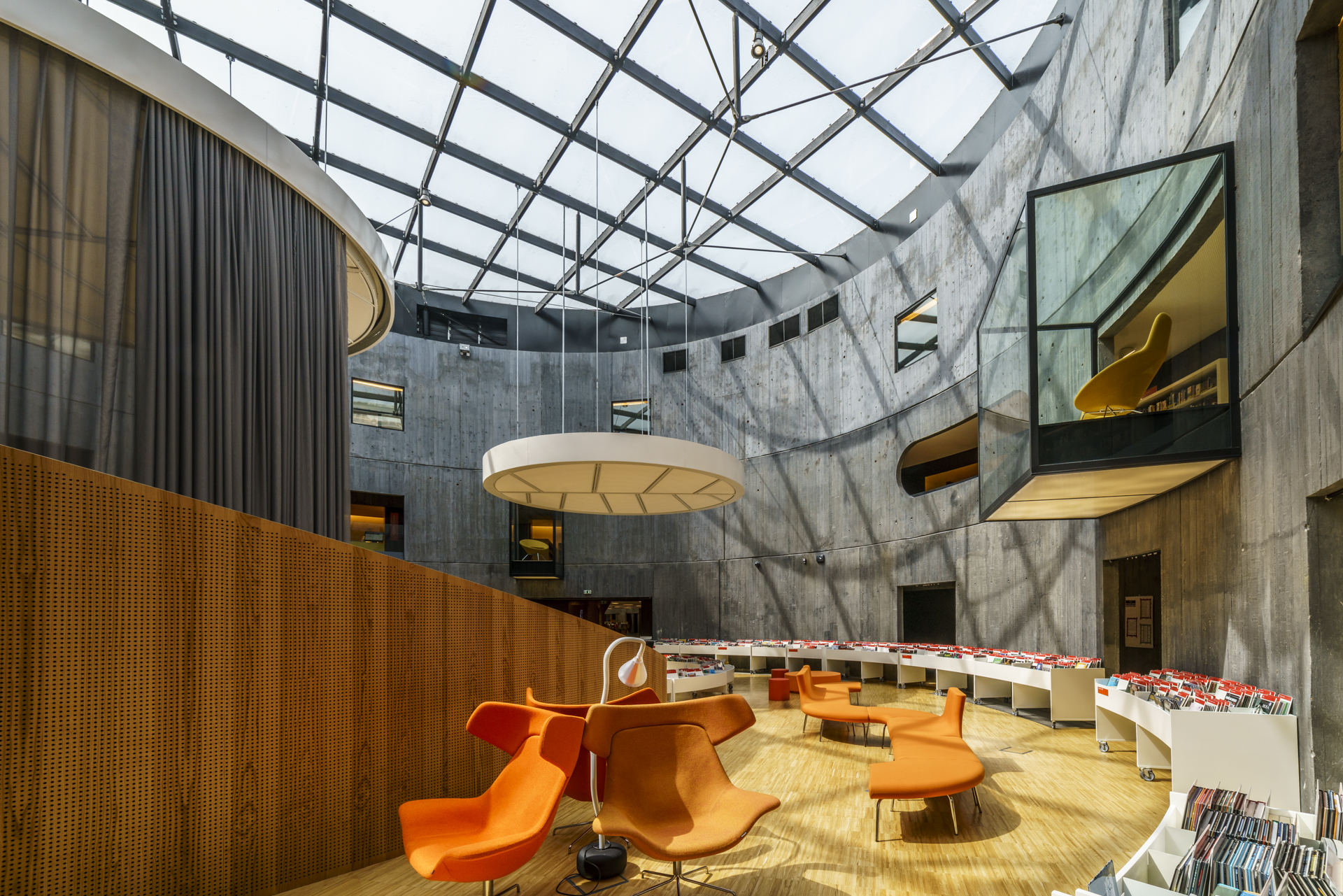 Bibliothèque-Oscar-Niemeyer