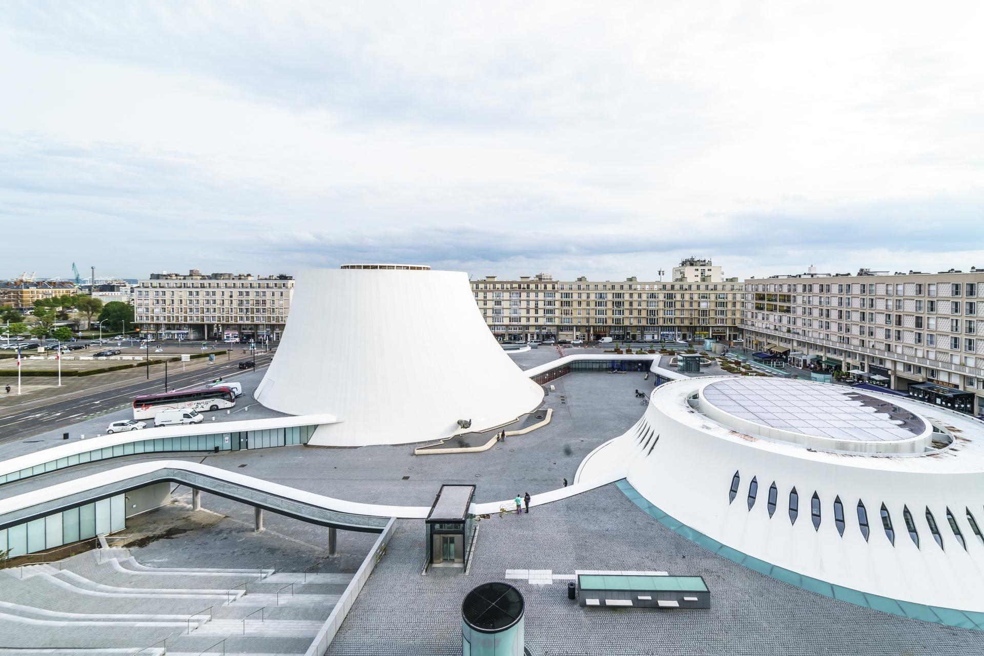 Le-Volcan-Niemeyer