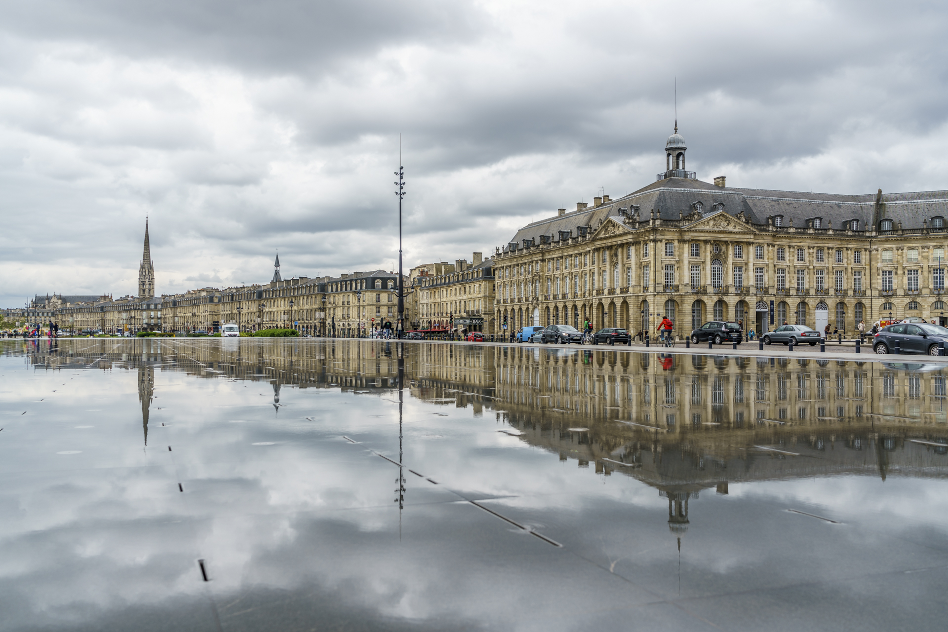 Reiseguide ein fr hlingswochenende in bordeaux for Miroir d eau bordeaux