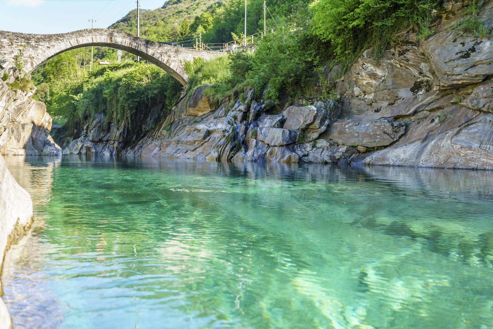 Ponte-Dei-Salti-Val-Verzsaca