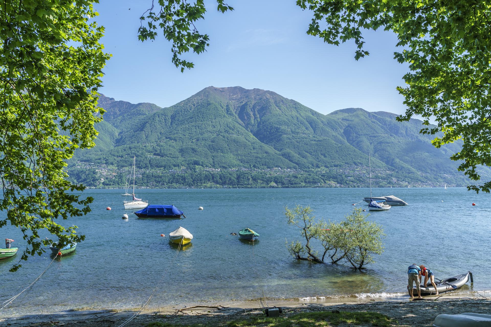 Lago-Maggiore-Uferpromenade-Minusio
