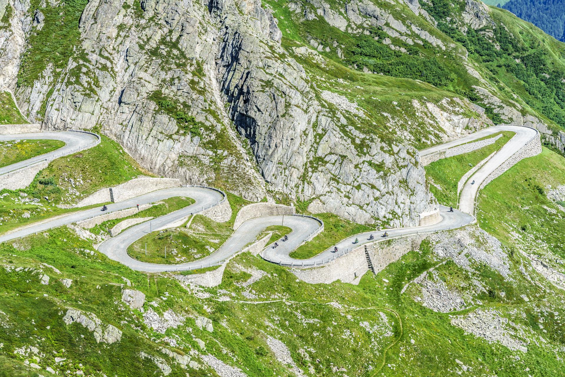 La-Tremola-Gotthard-2