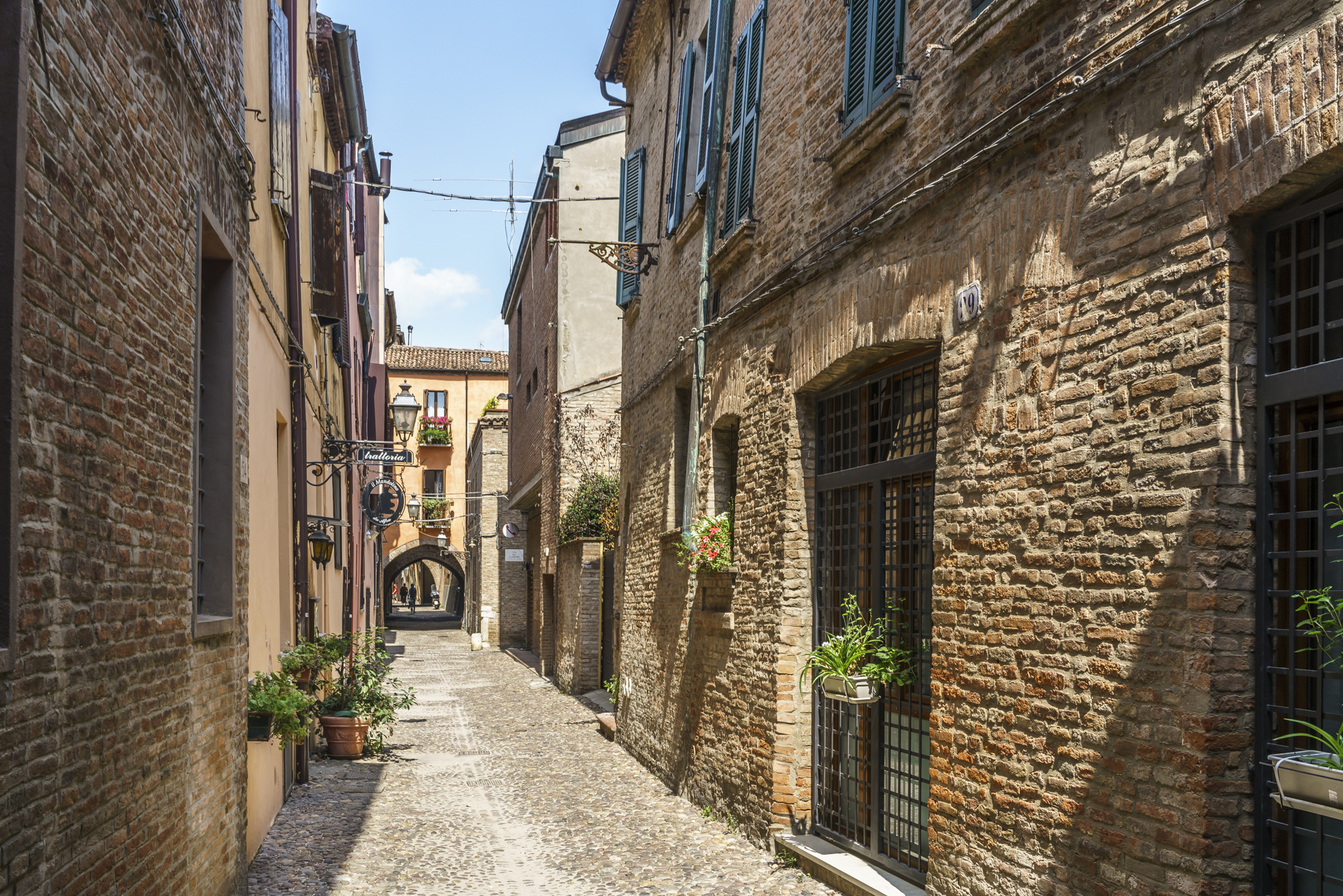 Trattoria-Volte-Street-Ferrara