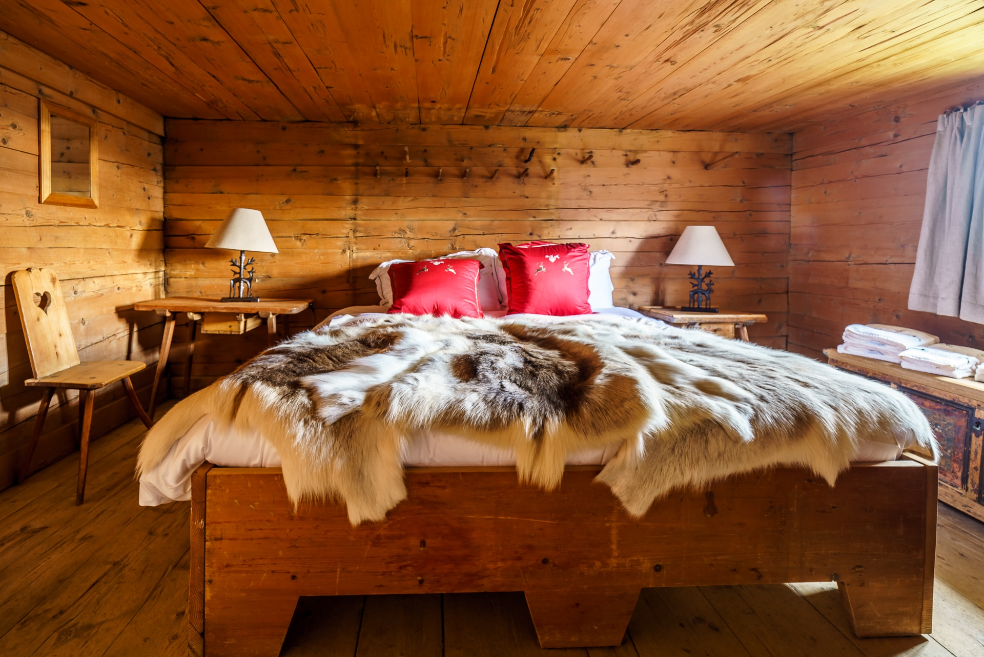 Glamping-Walig-Hut-Gstaad-Palace