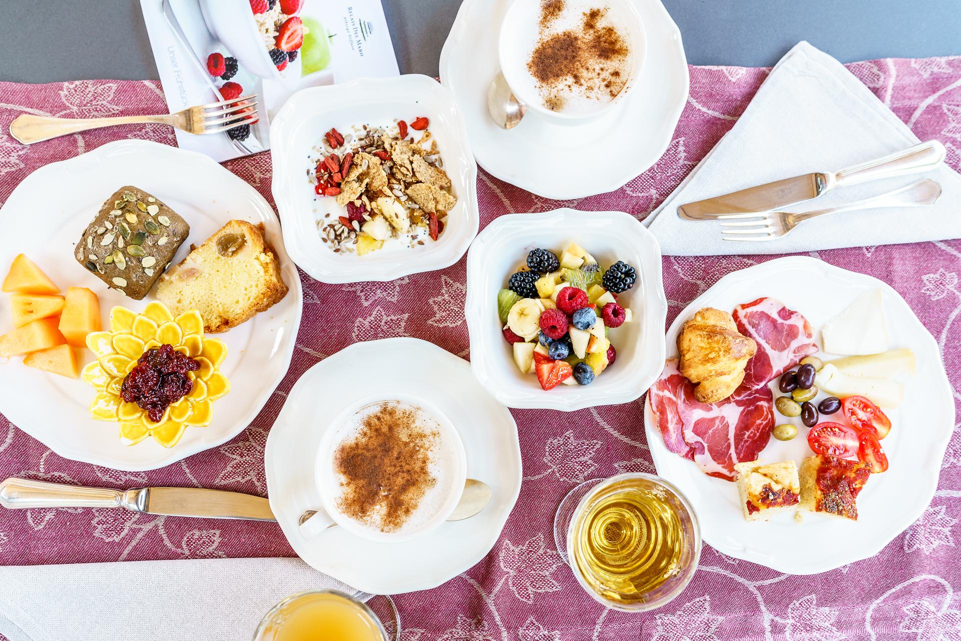 relais-del-maro-breakfast-2