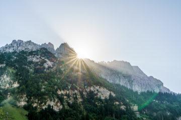 Sardona-Welterbe-Weg: schöne Wanderung vom Talalpsee nach Aeugsten