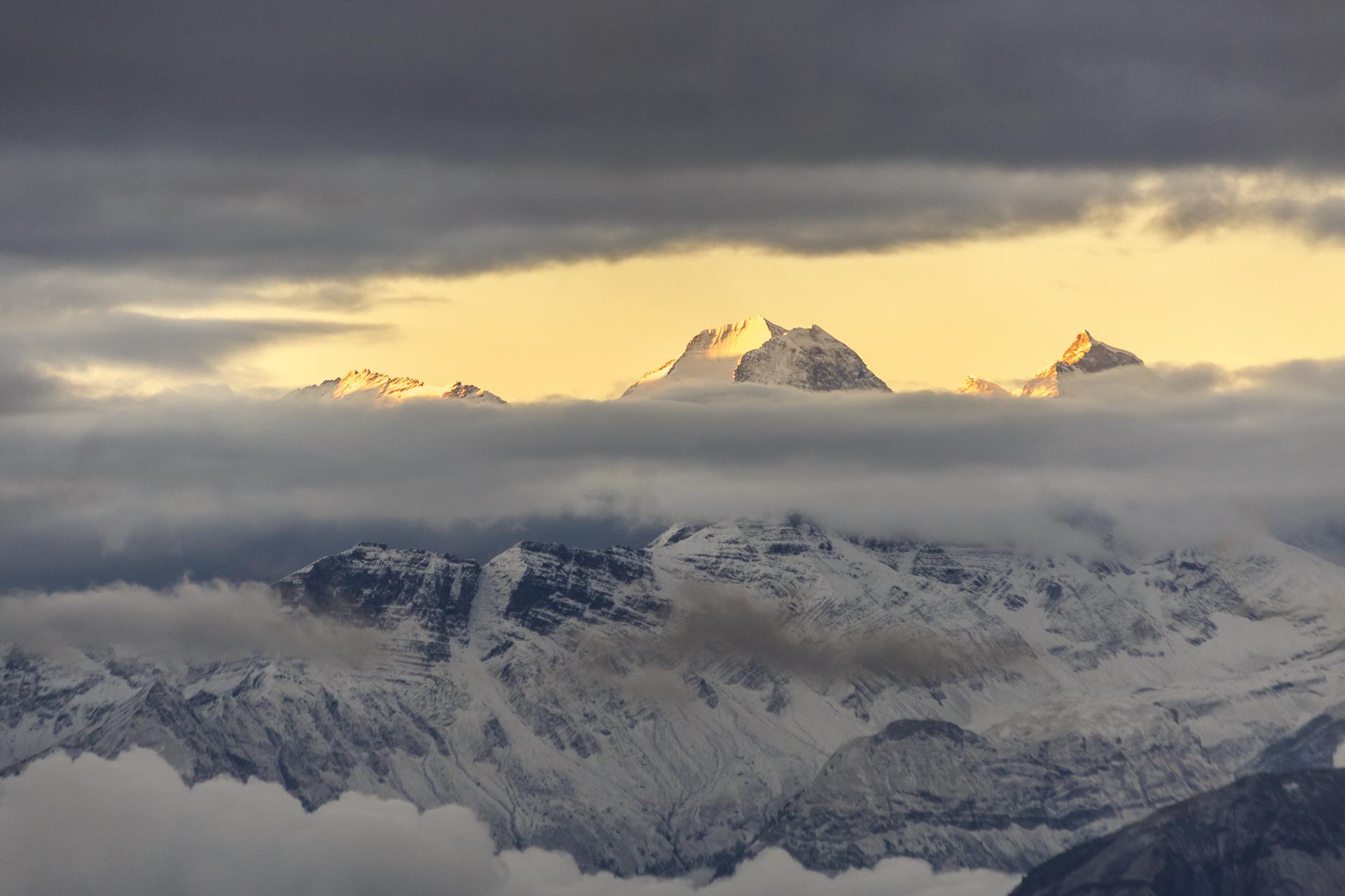berner-alpen-morgenstimmung