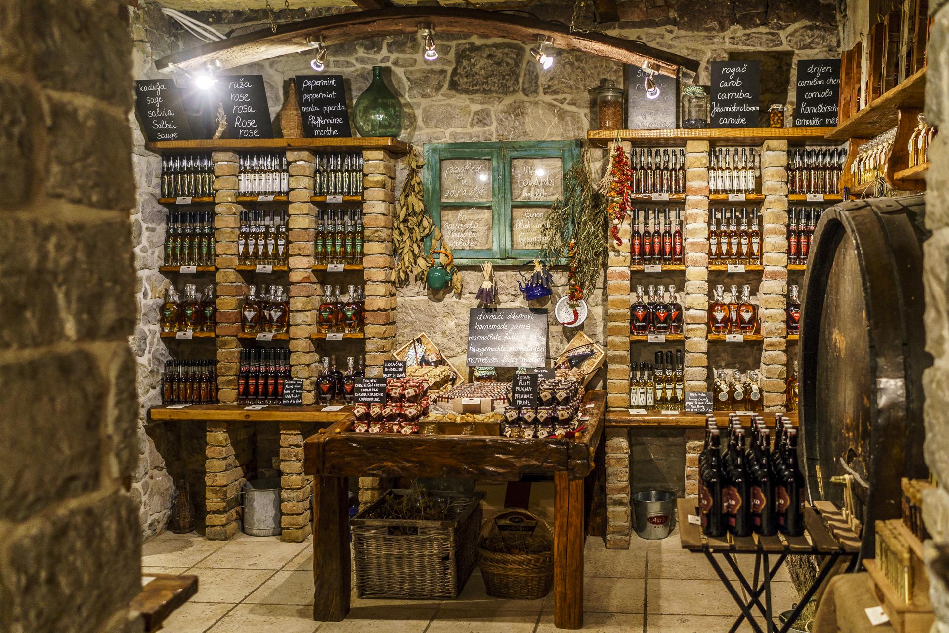 aura-distillery-buzet