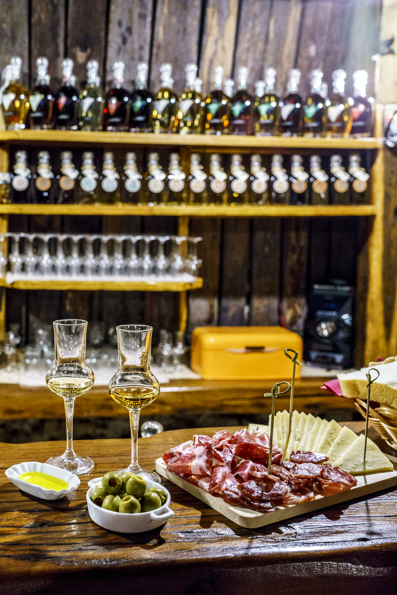 brandy-tasting-aura-distillery