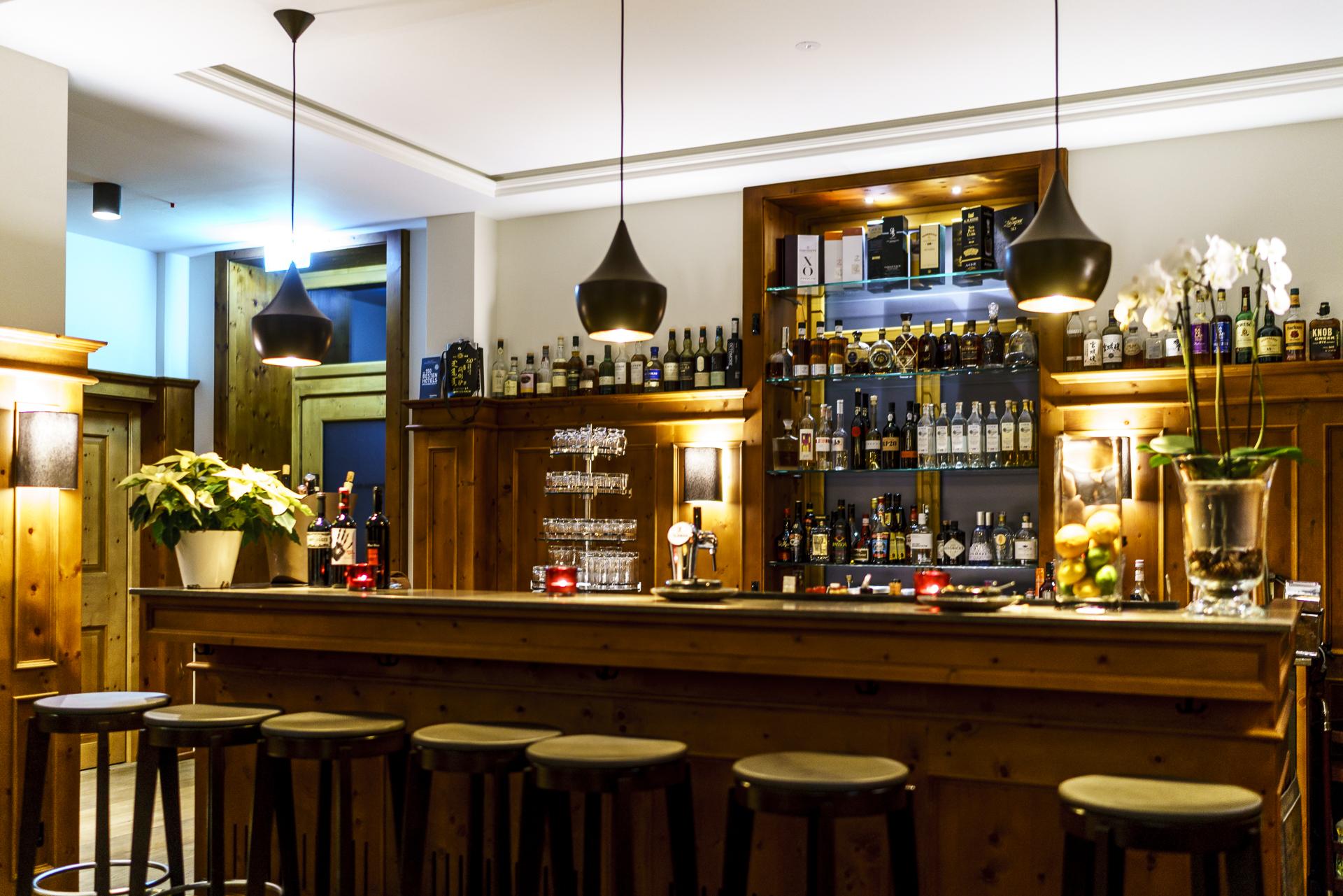 The-Alpina-Tschiertsche-Bar