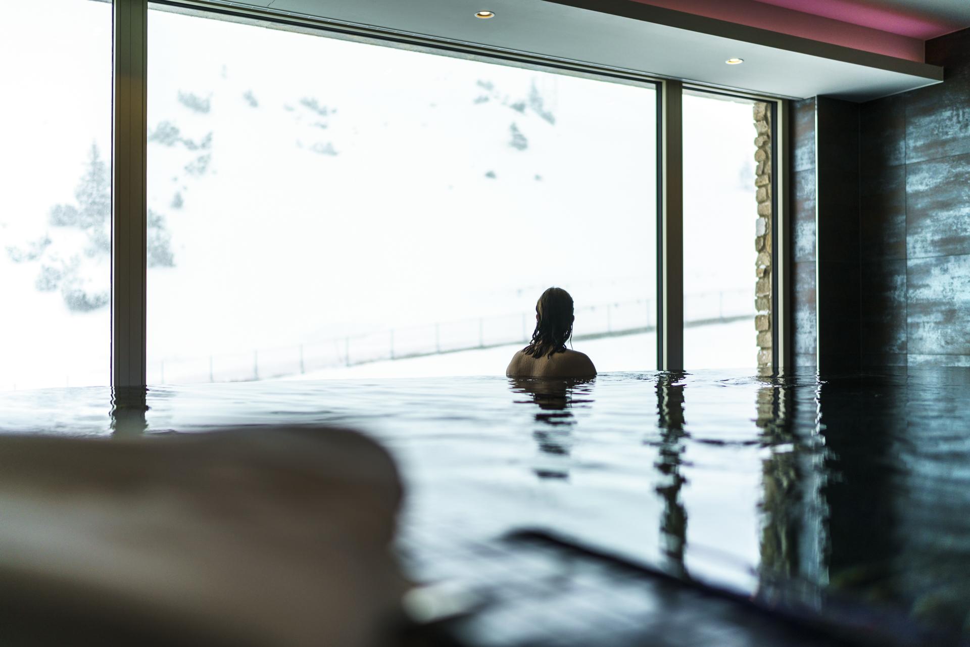 Infinity Pool Aureus Spa Zürserhof