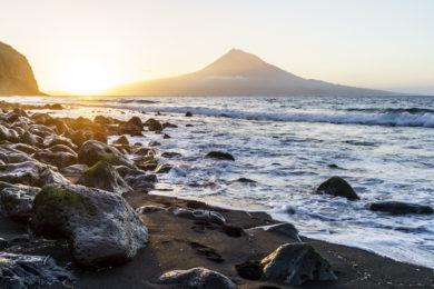 Sonnenaufgang Pico Faial Strand