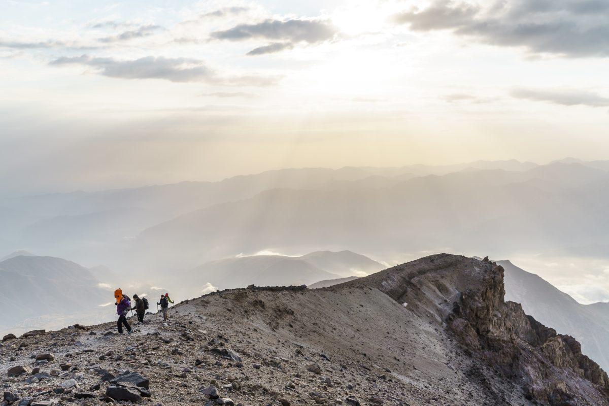 5'671 Meter über Meer – dünne Luft auf dem Damavand