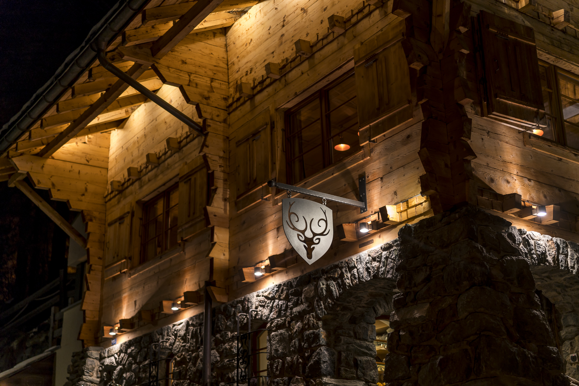 Cervo Zermatt by night