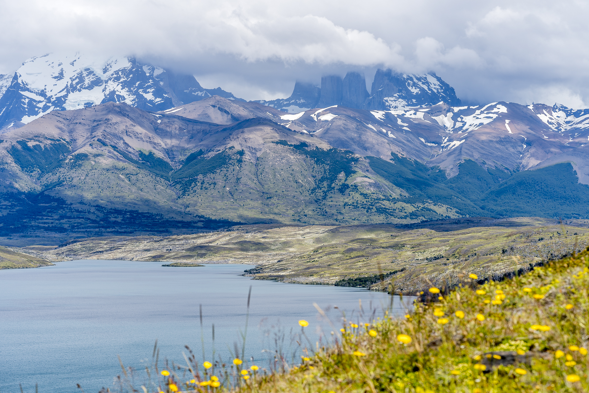 Laguna Azul Tores del Paine