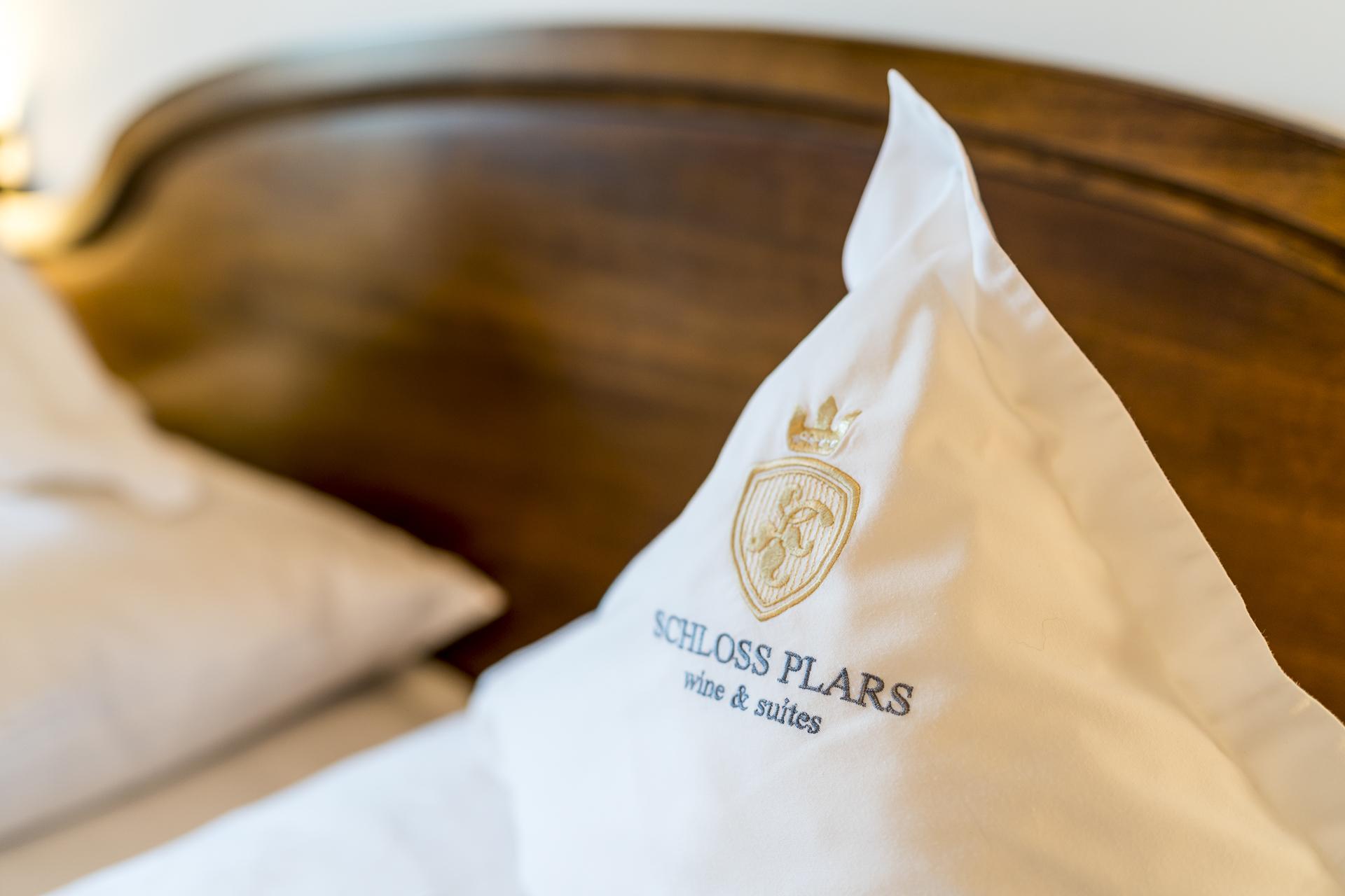 Detailaufnahme von einem Kissen im Schloss Plars