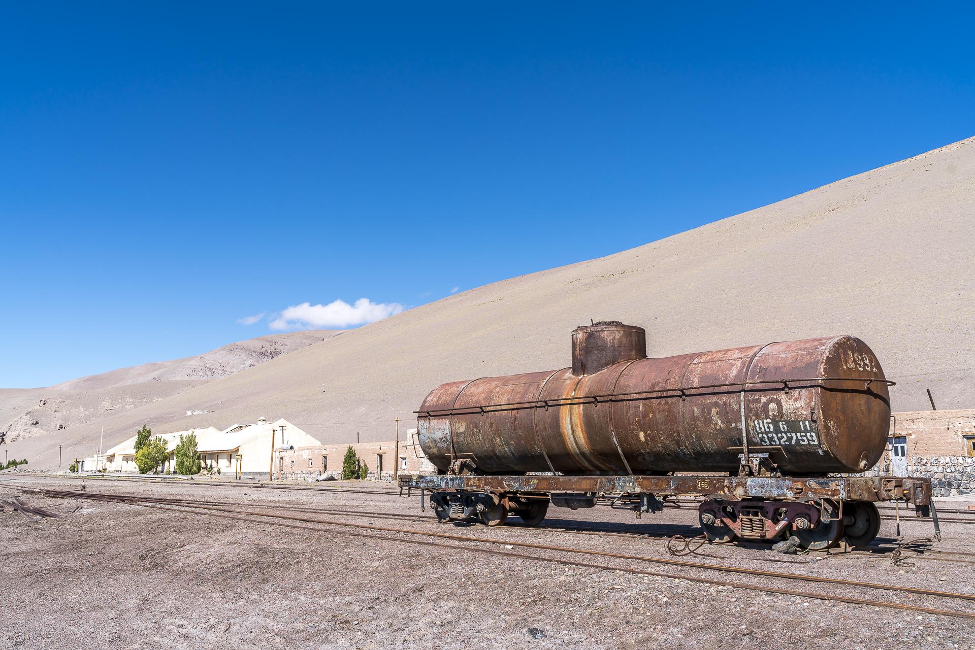 Caipe verlassener Bahnhof in der Puna