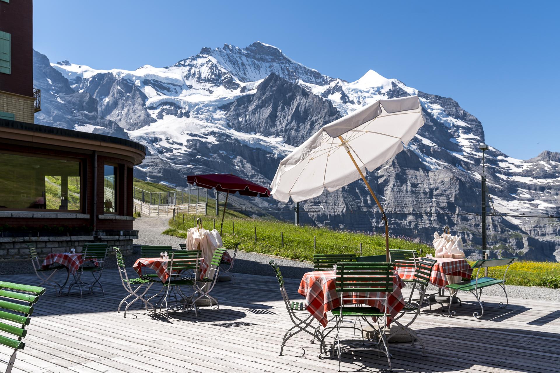 Bellevue des Alpes Sonnenterrasse