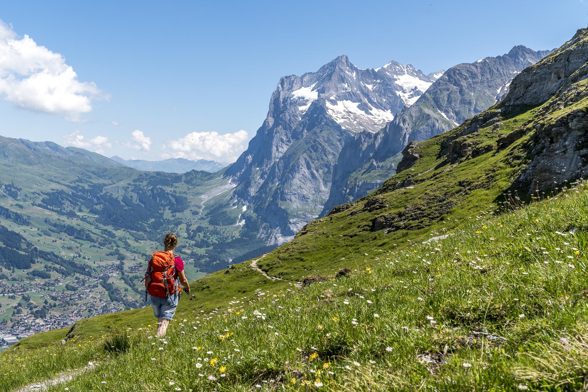 Wandern auf dem Eiger Trail