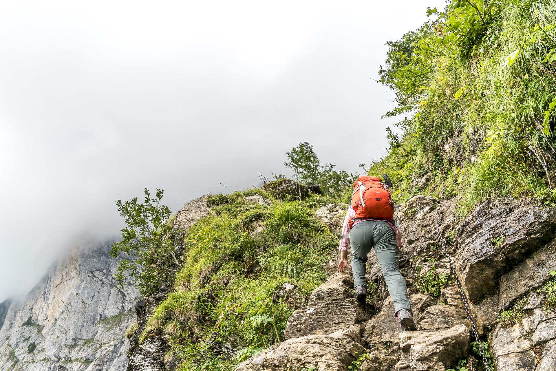 Passage Pas d'Encel Tour des Dents du Midi