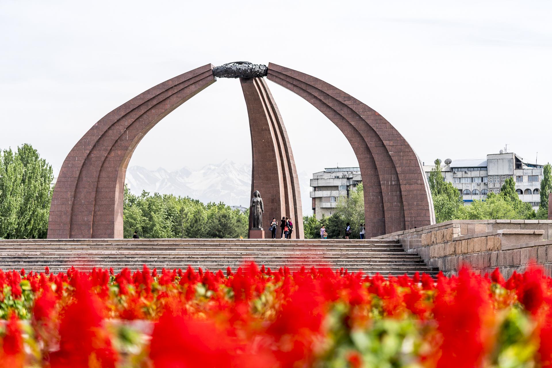 Unabhängigkeitsdenkmal in Kirgistan