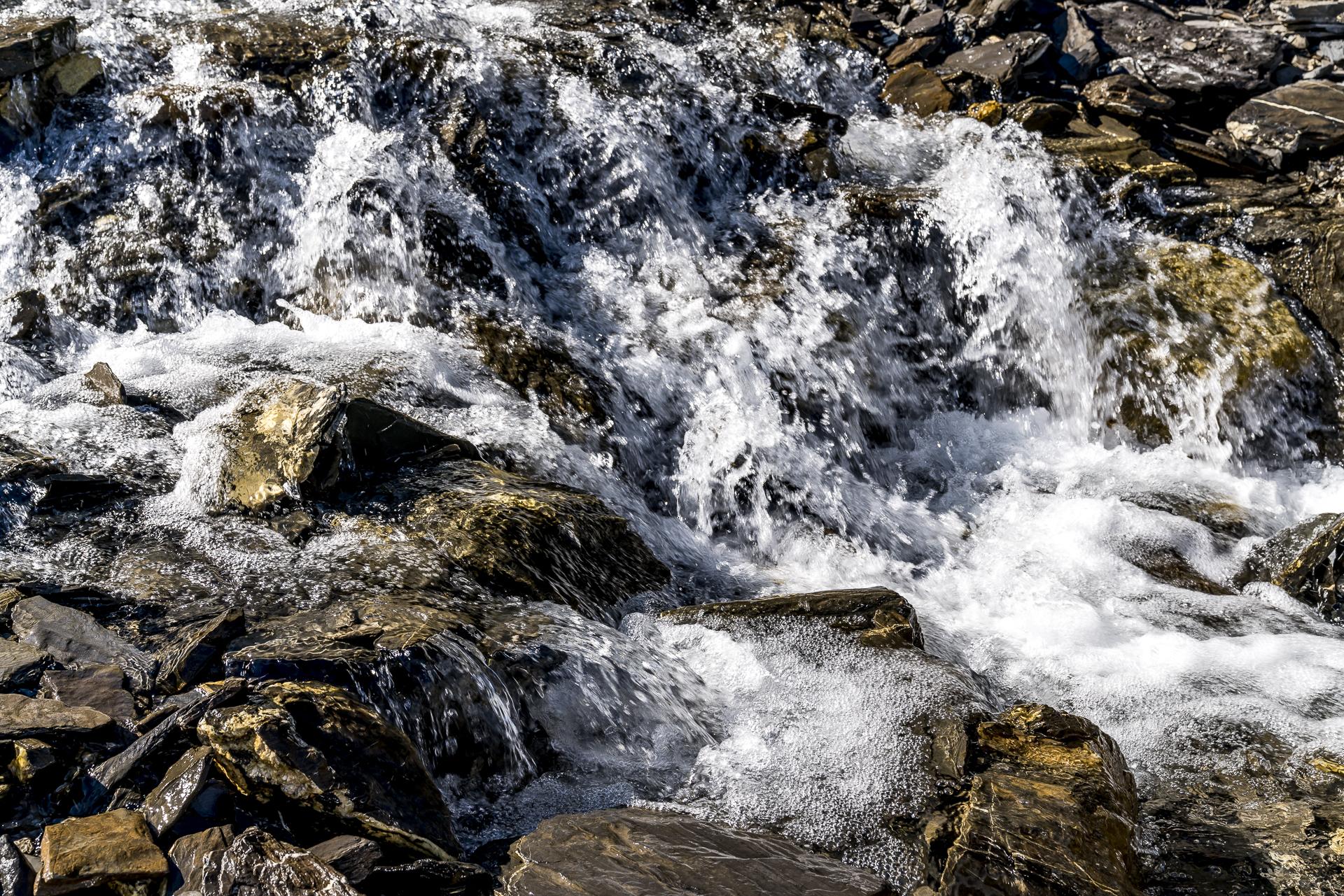 Bergbach - wildes Wasser