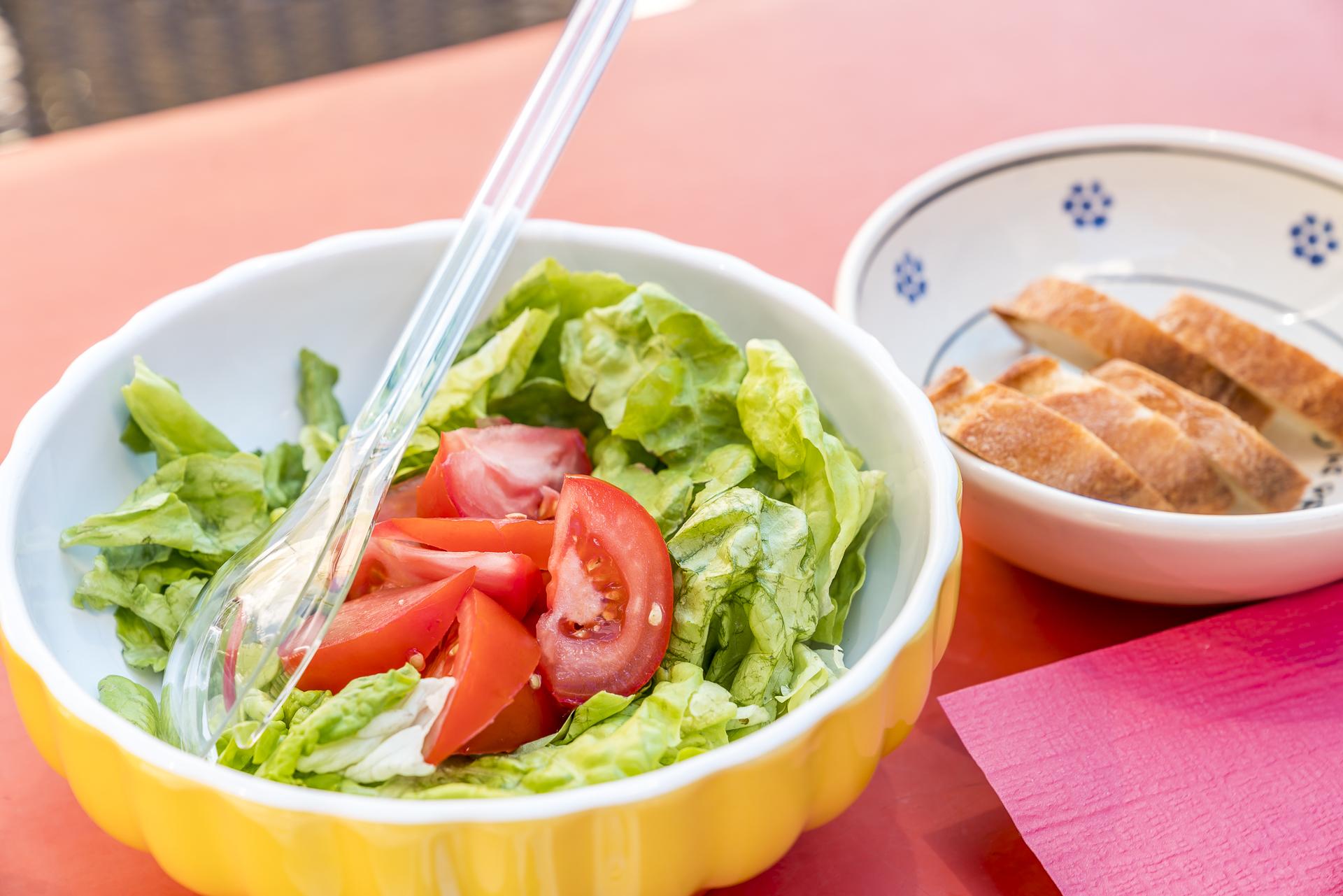 Salatschüssel in der Osteria Landarenca