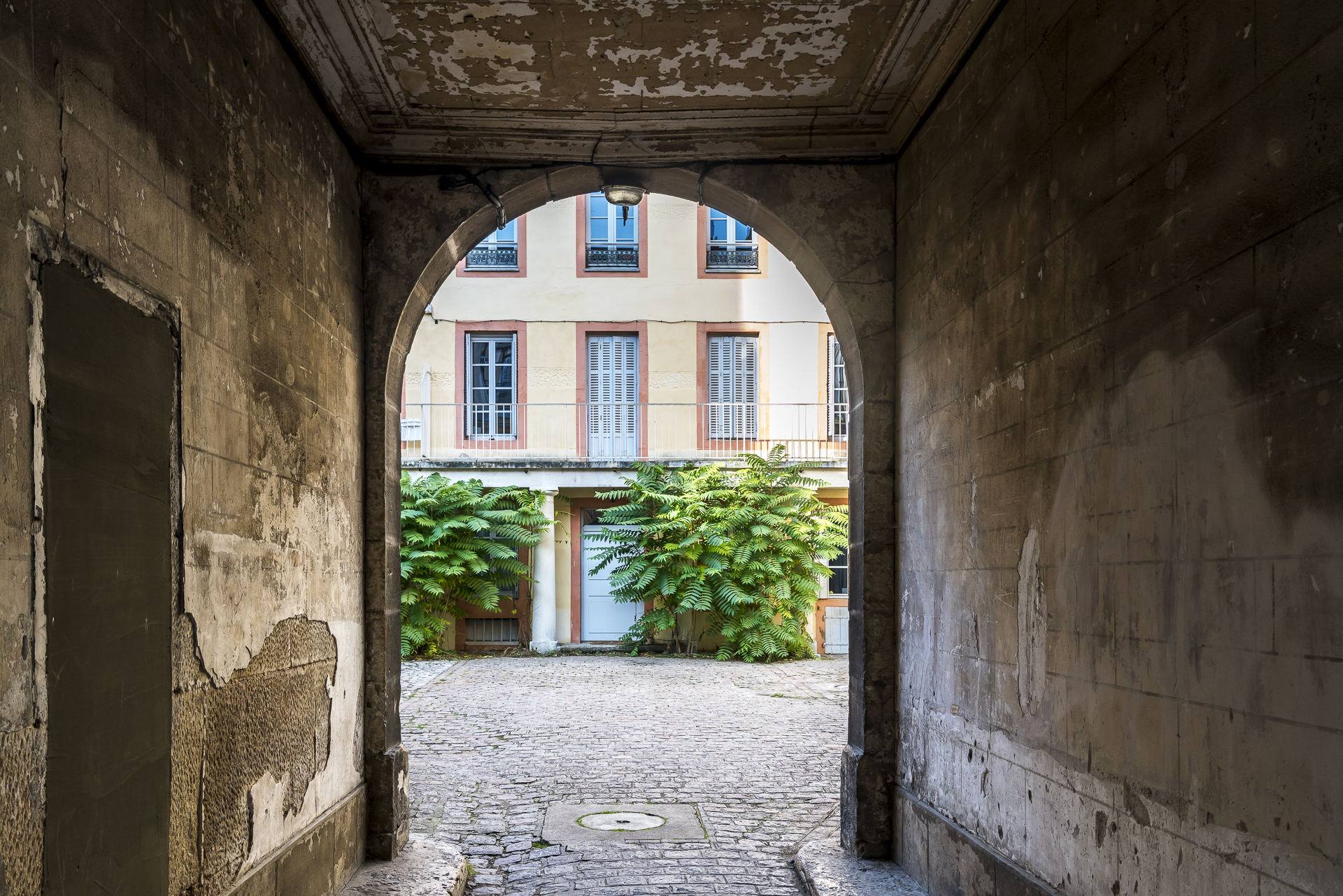 Dijon Hinterhof